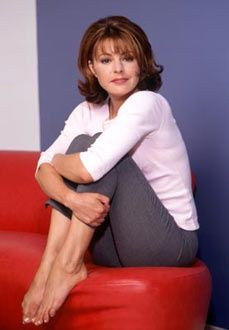 Always loved Jane Leeves as Daphne. She had such cute hairstyles!