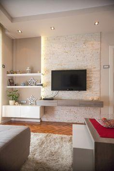 Televisor colgado a la pared