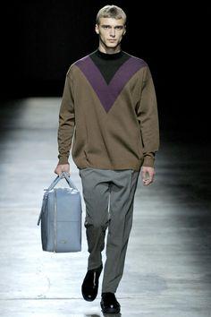 Prada Fall 2011 | Milan Fashion Week