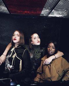 Aumenta o som porque tem festa da #VogueBrasil em parceria com a @schutzoficial esta noite em Paris! O agito acontece no @lemontanaparis com direito a set list animadíssimo de @simihaze e @siobhanbell. Promete! Acompanhe toda a movimentação fashionista por lá também em nosso #stories! (Foto: @maridipilla) #voguenapfw #pfw #vogueschutzemparis  via VOGUE BRASIL MAGAZINE OFFICIAL INSTAGRAM - Fashion Campaigns  Haute Couture  Advertising  Editorial Photography  Magazine Cover Designs…
