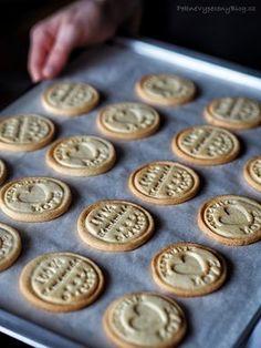 Citronové sušenky Lemon Cookies, Cupcake Cookies, Sweet Desserts, Sweet Recipes, Slovakian Food, Cookie Recipes, Dessert Recipes, Yummy Treats, Yummy Food