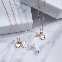 Κολιέ με Μενταγιόν Abelle. Arrow Necklace, Gold Necklace, Avon, Charmed, Jewelry, Fashion, Tour Eiffel, Trends, Moda