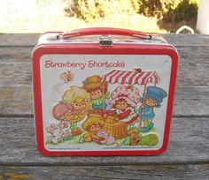 Vintage Strawberry Shortcake and Friends Lunchbox 1981 American Greetings Corporation. via Etsy.
