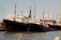 Zeesleepboten in Maassluis Het zijn van links naar rechts de 'Mississippi', 'Loire', 'Tyne' en 'Poolzee', begin jaren zestig van de vorige eeuw http://vervlogentijden.blogspot.nl/2015/06/elke-dag-een-nederlands-schip-uit-het_75.html
