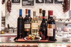 In vino veritas - heute werfen wir einen Blick in unsere Weinauswahl.   PS: Welches ist euer persönlicher Lieblingswein? In Vino Veritas, Ps, Wine, Drinks, Bottle, Food, Italian Recipes, Wine Glass, Drinking