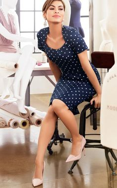 Eva Mendes clothing collection - eve mendes blue and white polka dot dress- how to make ryan gosling your boyfriend Eva Mendes Clothing, Eva Mendes Collection, White Polka Dot Dress, Polka Dots, Mode Inspiration, Work Fashion, Dress Skirt, Sheath Dress, Fitted Skirt