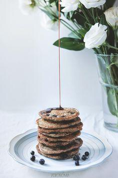Jagodowe pancakes » Jadłonomia · wegańskie przepisy nie tylko dla wegan Sunday Breakfast, Savory Breakfast, Sweet Breakfast, Breakfast Recipes, Waffle Recipes, Egg Recipes, Smoothie Bowl, Smoothie Recipes, Vanilla Paste