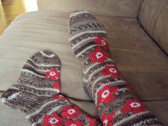 Wool Socks, Knitting Socks, Nightingale, Marimekko, Handicraft, Mittens, Knit Crochet, Knitting Patterns, Villa