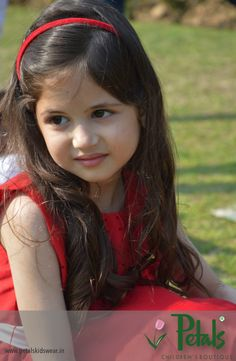 Harshali Malhotra the cute little girl Munni of Bajrangi Bhaij… Cute Baby Couple, Cute Little Baby Girl, Cute Kids Pics, Cute Baby Girl Pictures, Cute Young Girl, Cute Baby Girl Outfits, Beautiful Little Girls, Beautiful Children, Cute Babies