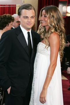 Leonardo DiCaprio and Gisele Bündchen in Red Carpet's Academy Awards in 2005. I can't forget to remember it, either Leonardo. I believe.