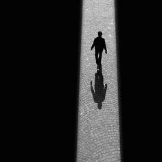 Black and White Photography by Rui Veiga Shadow Photography, Dark Photography, Black And White Photography, Street Photography, Film Noir Photography, Minimal Photo, Shadow Play, Grid Design, Design Art