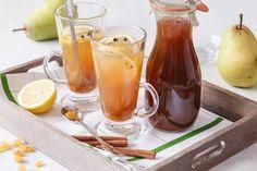 Vyzkoušejte podle našeho receptu domácí sirup na horkou hrušku. Vylepšit ji můžete kapkou alkoholu nebo rozinkami v rumu. Marmalade, Smoothie, Cheesecake, Alcoholic Drinks, Spices, Pudding, Vegetarian, Homemade, Cooking