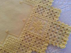 "FANCY Vtg Scandinavian SUNSHINE YELLOW Hand Done SNOWFLAKE Doily 14.5"" SQUARE #Handmade"