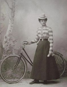 Lady with a bicycle, 1900