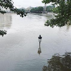 When reality looks surreal ... Seine floodings june 2016 @cecilemoli