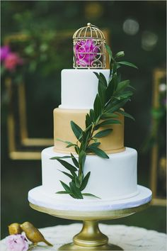 mini bird cage cake topper @weddingchicks