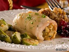Stuffed Turkey Cutlets | No matter the time of year, turkey is always in style...and Stuffed Turkey Cutlets are an easy way to bring those comforting Thanksgiving flavors to your table!