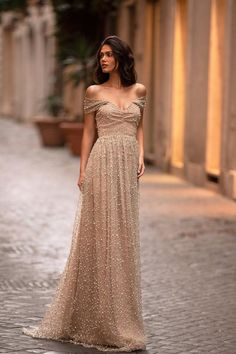 Gold Formal/Prom Gown - Alamour The Label Gold Lace Dresses, Gold Dress, Elegant Dresses, Beautiful Dresses, Formal Dresses, Formal Prom, Top Wedding Dresses, Bridesmaid Dresses, Off Shoulder Gown