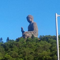 Foto meniru patung Big Buddha #BebasLiburan