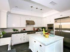 Kitchen, marble, stainless steel appliances : Lido Isle, Newport Beach, Orange County, California