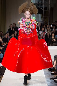 japanese fashion designer rei kawakubo honored with isamu noguchi award Fashion Art, High Fashion, Luxury Fashion, Fashion Outfits, Fashion Models, Fashion Women, Rei Kawakubo, Fashion Week Paris, Japanese Fashion Designers
