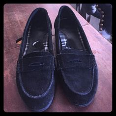 Bass loafers Bass loafers size 8. Suede upper. Lots of life left Bass Shoes Flats & Loafers