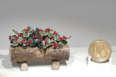 trunk with holly di TheMiniatureTime su Etsy