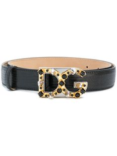 Buckle up. Shop designer belts for women at Farfetch and find logo-buckle styles from Gucci and Fendi and Off-White's signature industrial tape styles. Real Leather Belt, Leather Buckle, Leather Belts, Men's Belts, Black Leather, Branded Belts, Designer Belts, Belts For Women, Italian Leather