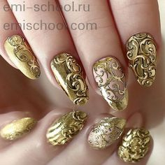 18 Vintage Floral Nail Designs You Will Love: Vintage Golden Nail Design Golden Nail Art, Golden Nails, Fabulous Nails, Gorgeous Nails, Pretty Nails, Uñas Color Cafe, Gel Nagel Design, Lace Nails, Floral Nail Art