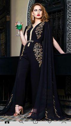موديلات مميزة وجديدة لقفطان مغربي مع سروال - caftan gallery Oriental Dress, Oriental Fashion, Indian Fashion, Traditional Fashion, Traditional Dresses, Abaya Fashion, Fashion Dresses, Kaftan Moroccan, Abaya Mode