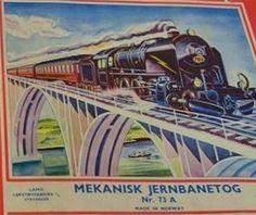 LAMO Stavanger  Mekanisk Jernbanetog Nr. 73 A  LAMO Leketøyfabrikk  A/S Stavanger - Mekanisk Jernbanetog Nr. 73. A Made in Norway  Topp Reklame: FYFFES Jamaica Bananer! Se på den gule vognen! Cars  Train Set - Net.Photo
