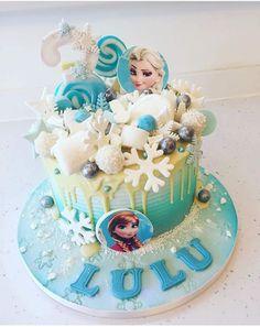 Birthday Drip Cake, Frozen Themed Birthday Party, Disney Frozen Birthday, Birthday Cake Girls, Drip Cakes, Pastel Frozen, Elsa Cakes, Joint Birthday Parties, Barbie Cake