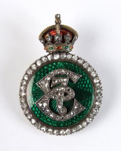 Brooch with Edward VII's monogram on it, given by the King to Mrs 'Ronnie' Greville of Polesden Lacey. Made by Collingwood and Co with diamonds and enamel. © National Trust