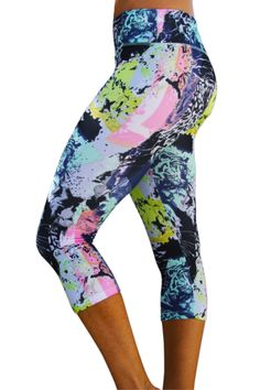 We dare you not to put a little extra UMPH into your workout when you wear these colorful, jungle inspired capris! Adorable colors, a sassy print AND a super flattering (muffin top-free!) waistband? Y