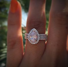 18k White Gold GIA 1.01ct Pink Pearshape Diamond Engagement Ring