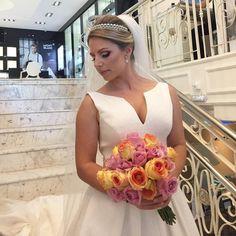 Desejo toda felicidade a querida Amanda, foi um imenso prazer fazer parte de um dia tão especial ������ #noiva #casamento #hair #hairstyle #hairstylist #producao #beleza #beauty #beautyartist #photo #photography #bried #bridetobe #penteado #glam #blessed #gloss #lipgloss #lifestyle #love #job #babylissmorto #makeup http://ameritrustshield.com/ipost/1550280314297948950/?code=BWDs7tsApsW
