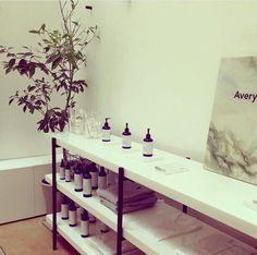 ¿Buscas que tu piel luzca fresca y saludable?Consiéntela con los productos de Persea Apothecary en #Avery #Anatole13.