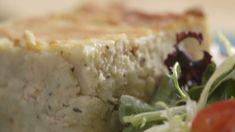 Pâté au saumon gratiné | Cuisine futée, parents pressés J'ai ajouté des oignons verts :) c'était délicieux Great Recipes, Vegan Recipes, Cooking Recipes, Quebec, Good Food, Yummy Food, Fish And Seafood, Seafood Recipes, Food Hacks