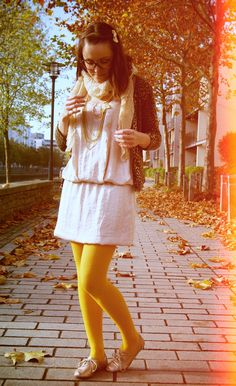 Yellow tights, white dress and leopard print jacket Yellow Tights, Leopard Print Jacket, Fashion Pants, White Dress, Leggings, Legs, How To Wear, Jackets, Color