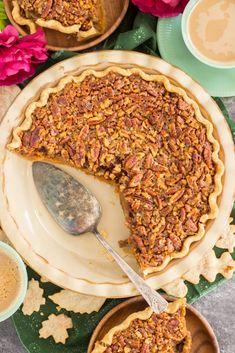 Pecan Pumpkin Pie • The Gold Lining Girl No Bake Pumpkin Cheesecake, Pumpkin Pecan Pie, Pumpkin Pie Recipes, Baked Pumpkin, Pumpkin Dessert, Bourbon Pecan Pie, Pecan Tarts, Thanksgiving Desserts, Sweet Tarts