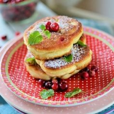Chubby pancakes with cranberry (in Polish with translator)