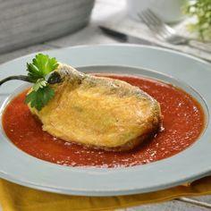 Chiles Rellenos de Queso en Caldillo de Tomate