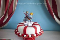 Cake at a Dumbo Circus Party #dumbocircus #partycake