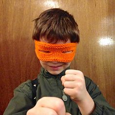This mask is the perfect addition to the Hero variation of the Nemesis Knapsack vs. Hero's Half-shell pattern. It is fairly small and can be made with the leftover yarn that you already have.