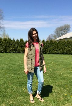 green utility vest,