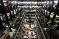 A Biblioteca Nacional, também chamada de Biblioteca Nacional do Rio de Janeiro, é a depositária do patrimônio bibliográfico e documental do Brasil, considerada pela Unesco como a sétima biblioteca nacional do mundo e, também, é a maior biblioteca da América Latina.