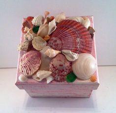Seashell treasure box by GardnersGifts on Etsy https://www.etsy.com/listing/243716563/seashell-treasure-box