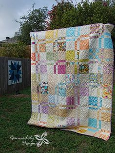 Make a queen size Disappearing Quilt with Layer Cakes in a weekend! Learn the tricks to using layer cakes, ruler stacking, and a serger with this quilt. Layer Cake Quilt Patterns, Layer Cake Quilts, Jelly Roll Quilt Patterns, Quilt Block Patterns, Quilt Blocks, Layer Cakes, Apron Patterns, Patchwork Quilt, Jellyroll Quilts