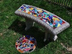 Here is a stained glass inlaid garden bench. A touch of color anyday to a garden or porch. Stone Mosaic, Mosaic Glass, Glass Art, Mosaic Tray, Mosaic Tiles, Tiling, Mosaic Projects, Stained Glass Projects, Craft Projects