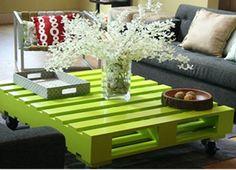 Móveis, estantes e sofás feitos com...Pallets! | Conexão Plastilit
